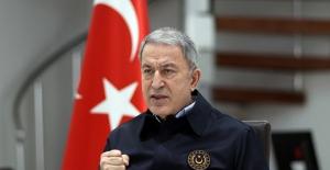 """Bakan Akar: """"Mehmetçiğin Nefesi Teröristlerin Ensesinde, Korku Dağları Sardı"""""""