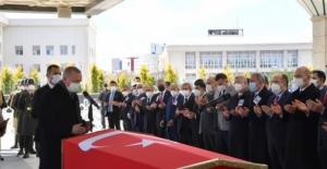 Cumhurbaşkanı Erdoğan, Eski Başbakanlardan Akbulut'un Cenaze Törenine Katıldı