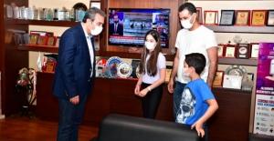 Başkan Soner Çetin'i Duygulandıran Çocuklar