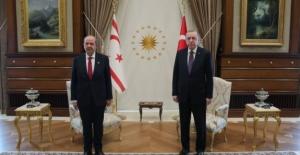 Cumhurbaşkanı Erdoğan, Cumhurbaşkanlığı Külliyesi'nde KKTC Cumhurbaşkanı Tatar İle Görüştü