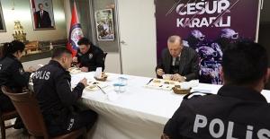 Cumhurbaşkanı Erdoğan, Üsküdar Çengelköy Polis Merkezi'nde İftar Yaptı