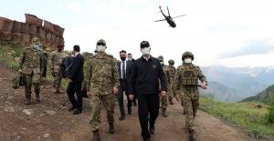 """Akar: """"Pençe-Şimşek Ve Pençe-Yıldırım Operasyonlarında Şu Ana Kadar 44 Terörist Etkisiz Hâle Getirildi"""""""