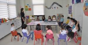 Çukurova Belediyesi Robotik Kodlama Eğitimiyle Çocukları Geleceğe Hazırlıyor