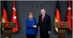 Cumhurbaşkanı Erdoğan, Almanya Başbakanı Merkel İle Video Konferans Görüşmesi Gerçekleştirdi