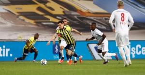 Fenerbahçe Büyük Fırsat Tepti