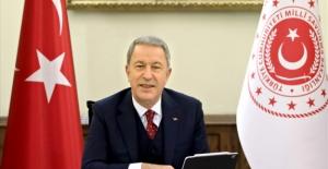 Millî Savunma Bakanı Akar'dan Babalar Günü Mesajı