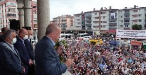 Cumhurbaşkanı Erdoğan Sel Felaketinden Etkilenen Artvin'in Arhavi İlçesinde İncelemelerde Bulundu