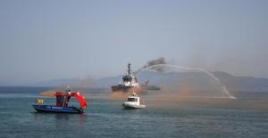 Kuşadası'nda Denizcilik Ve Kabotaj Bayramı Kutlandı