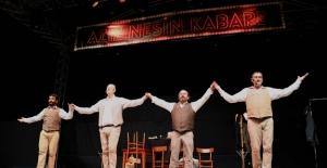 Kuşadası'nda Pandemi Sonrası İlk Tiyatro Oyunu