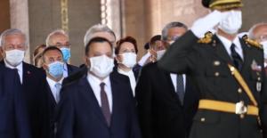 İYİ Parti Genel Başkanı Akşener, Anıtkabir'de Gerçekleştirilen Devlet Törenine Katıldı