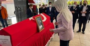 Akşener, THY'nın Eski Yönetim Kurulu Üyesi Alaaddin Lütfi Kuday'ın Cenaze Törenine Katıldı