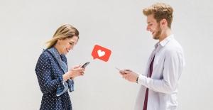 Çevrimiçi Flörtün Riskleri: Her 6 Kullanıcıdan Biri Kimlik İfşasıyla Karşılaşıyor