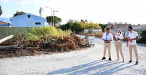 Kuşadası Belediyesi Hizmet Üretiyor, Vatandaşın Yüzü Gülüyor