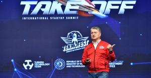 """TOGG CEO'su Karakaş, TEKNOFEST'te Konuştu: """"Oyunun Kuralını Değiştiren Start-Up'lar Radarımızda"""""""