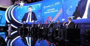 """Türksat AŞ Genel Müdürü Ertok, """"Haberleşmede Dijital Reform: Dijital Yollar"""" Paneli'nde"""