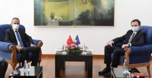 Bakan Özer, Kosova Başbakanı Kurti İle Görüştü