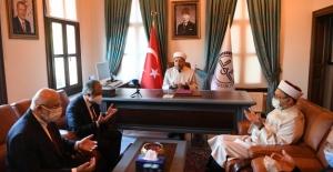 Yeni Atanan İstanbul Müftüsü Göreve Başladı